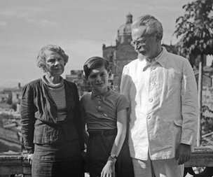 Leon Trotsky with his wife and grandson