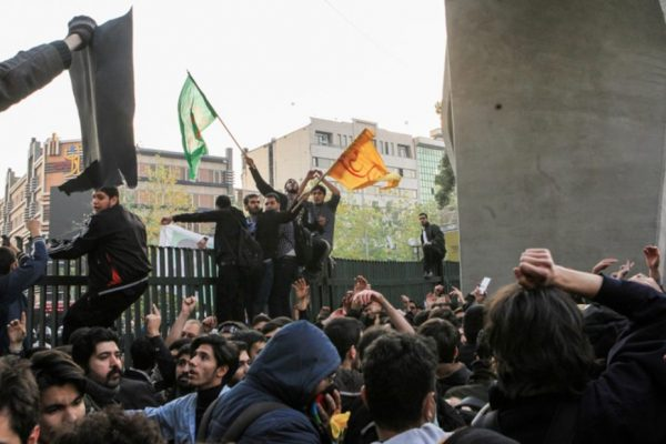 In Iran, popular revolt grows against state corruption, US sanctions, and war