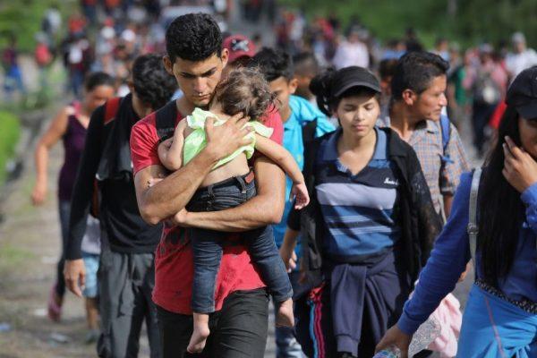 En defensa de los refugiados centroamericanos que caminan hacia la frontera de los Estados Unidos