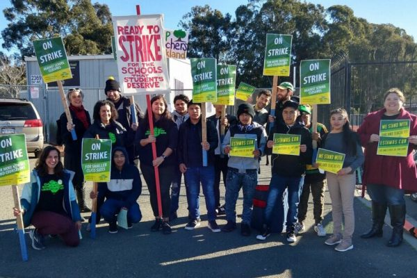 Picket and rally with striking Oakland teachers